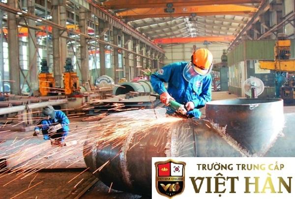 Học chứng chỉ nghề cơ khí tại Việt Hàn