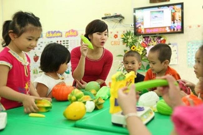 Giáo viên trường trung cấp Việt Hàn đào tạo đạt chuẩn đầu ra