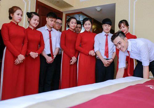 Trung cấp quản trị khách sạn