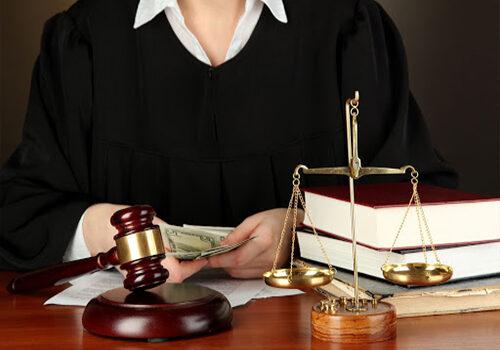 Phân Biệt Trung Cấp Pháp Lý Và Trung Cấp Luật?