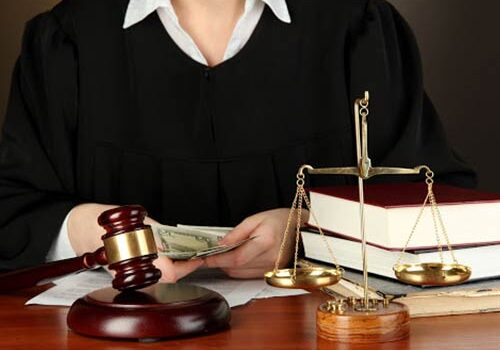 Học Trung cấp pháp lý cấp tốc