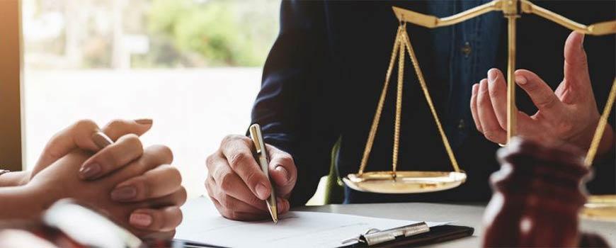 Trung cấp pháp lý