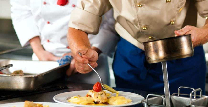 Trung cấp kỹ thuật chế biến món ăn online từ xa2