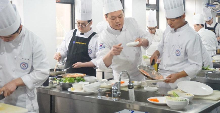 Học văn bằng 2 trung cấp kỹ thuật chế biến món ăn1