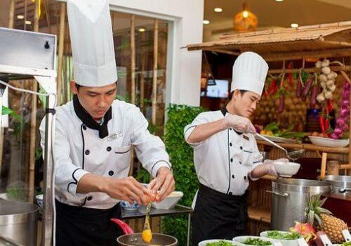 Học Trung cấp kỹ thuật chế biến món ăn cấp tốc
