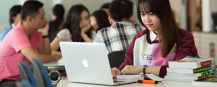 Học Trung Cấp Quản Trị Kinh Doanh Online Từ Xa Ở Đâu?